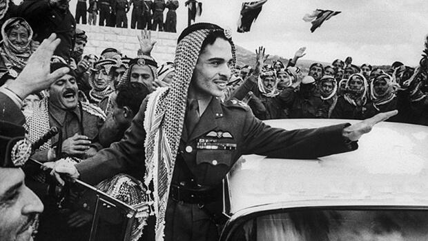 11/08/1952: Hussein l??n k??? v??? ngai v??ng Jordan
